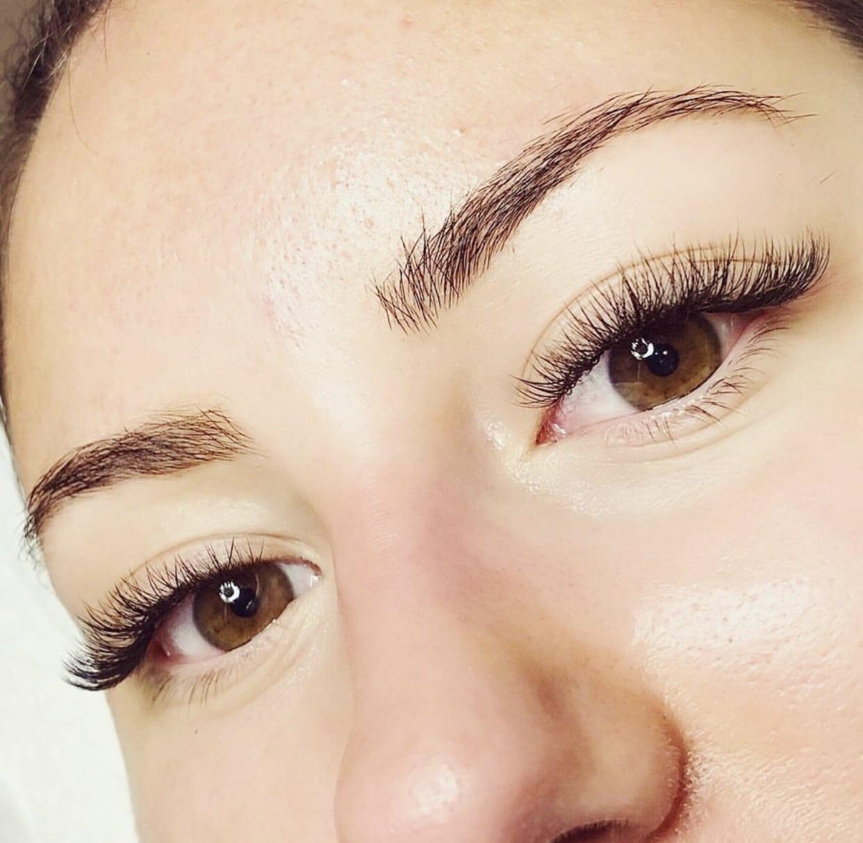 Full set of hybrid lashes at beauty & bonze lash specialists Melbourne